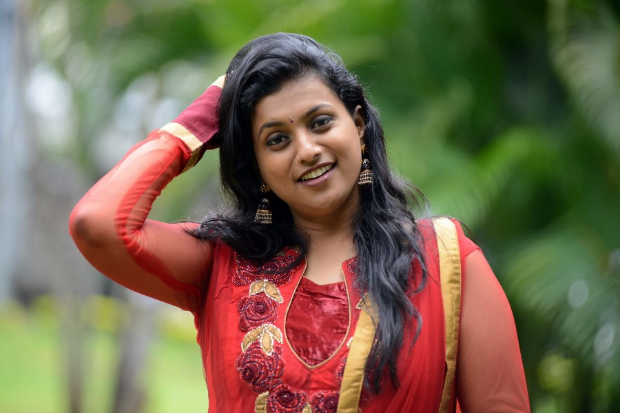 Roja Case Andhra House Panel For Year Long Suspension